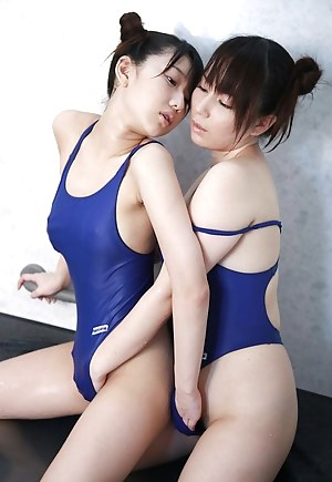 Japanese Lesbian Porn Pictures